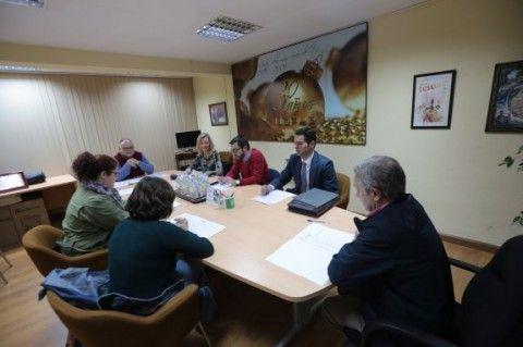 Carnicería Delfina, Rocasa, El Balcón, Comercial Avilés y el Longboard de Salinas, Premios UCAYC
